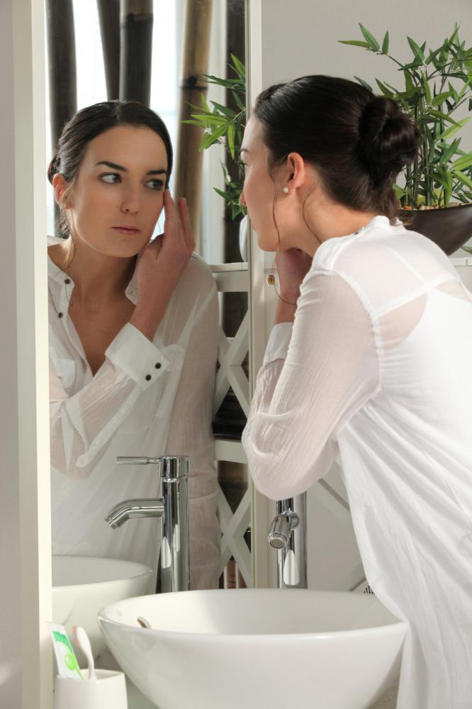 6 Things that Are Responsible for Your Fine Lines and Wrinkles