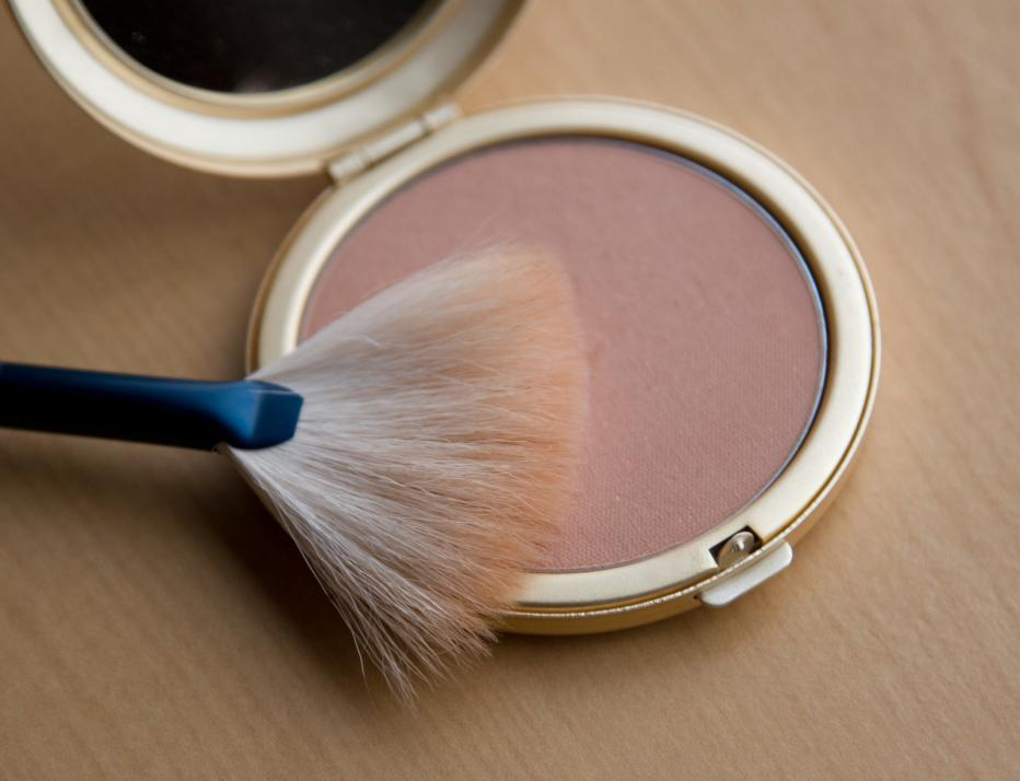 Are You Making These 5 Mistakes with Your Bronzer?