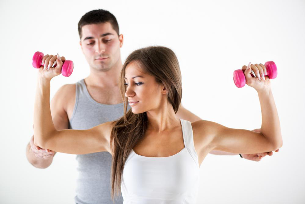 The Benefits of Going to a Personal Trainer to Get Fit